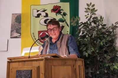 Juliane Kothe überbringt ein Grußwort an den Kleingartenverein.