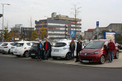 Treffen überzeugter E-Mobilisten anlässlich einer GRÜNEN Veranstaltung im CINEPLEX