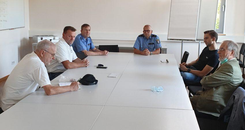 Offener Dialog zwischen Polizei und Politik