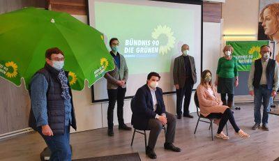 Neuer GRÜNEN-Vorstand mit Juliane (v.l.) Florian, Jonas, Franziska, Jürgen, Monika, Lothar