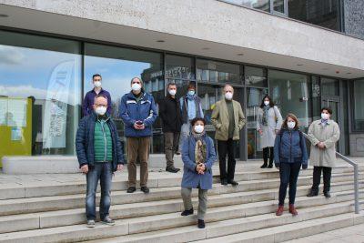Die neugewählte GRÜNEN Fraktion am Rathaus, es fehlt Franziska Bünsow