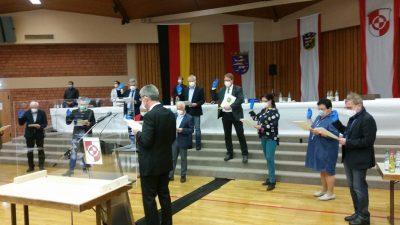 Die Vereidigung der neugewählten Kreisbeigeordneten rundete die erste Kreistagssitzung ab